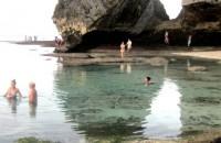 kolam alami pantai suluban bali
